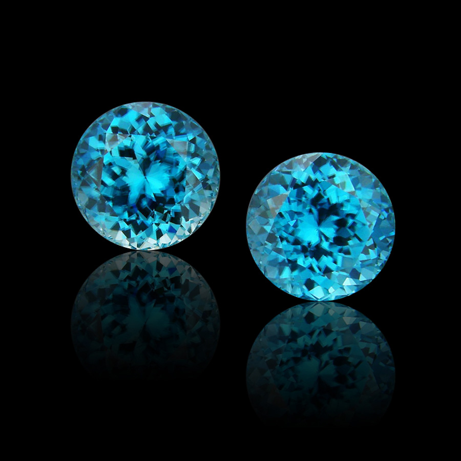 Collect-colored-gems-with-Cynthia-Renee-blue-zircon