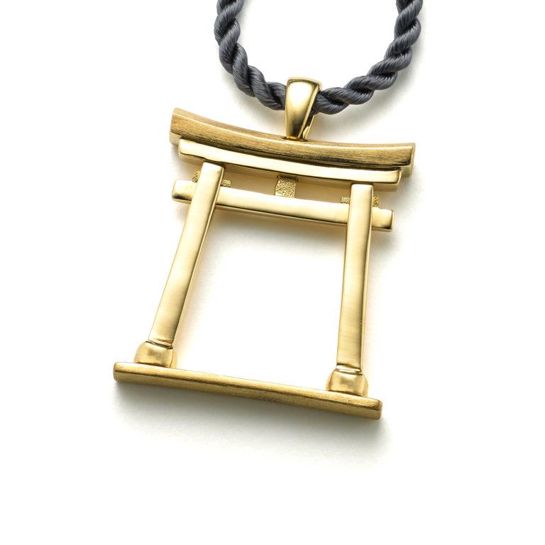 Torii Gate Pendant in 18 karat Yellow Gold.