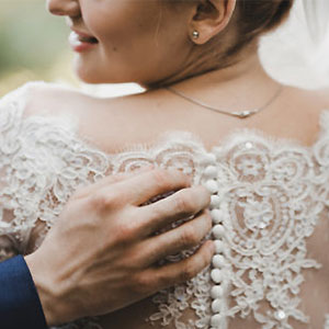 The Mother of a Guide to Selecting Wedding Jewelry