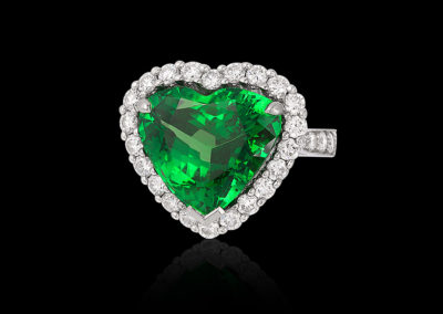 Collect-colored-gems-with-Cynthia-Renee-green-tsavorite