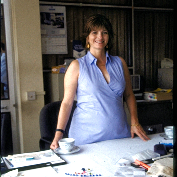 Jewelry-designer-Cynthia-Renee-Pregnant-while_gem-hunting