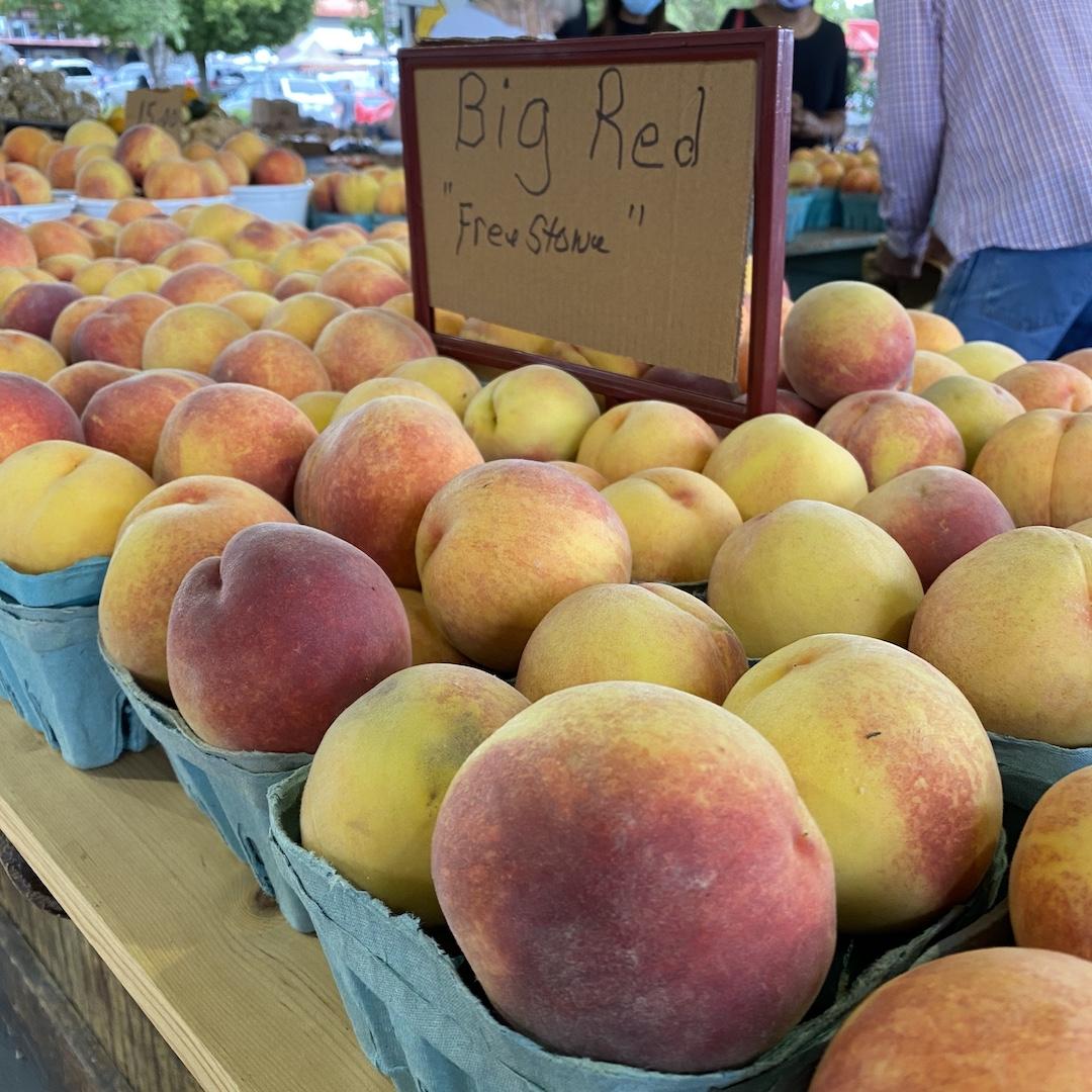 Peaches at Raleigh's farmer's market