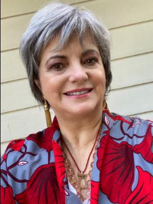 Awarded Jewelry Designer Cynthia Renée