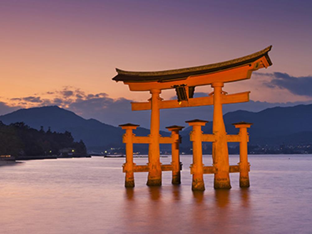 Inspiration-Japan-Torii-Gate-at-Sunset.ed.2.24.21